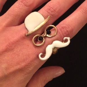 Quirky Double Finger Ring
